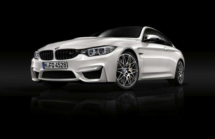 New Competition Package amps up the sporty personality of the BMW M3 and BMW M4