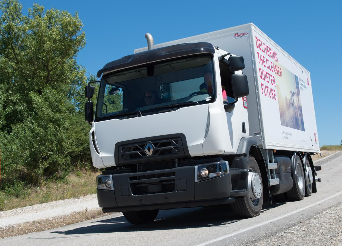 Renault Trucks exhibits its range of vehicles running on natural gas at SITL