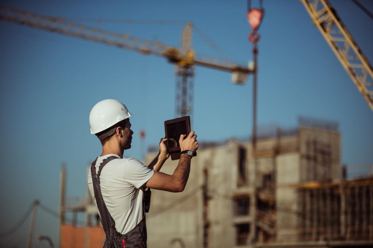 How technology is changing communication on the job site